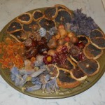 fiori e frutta secca, composizione
