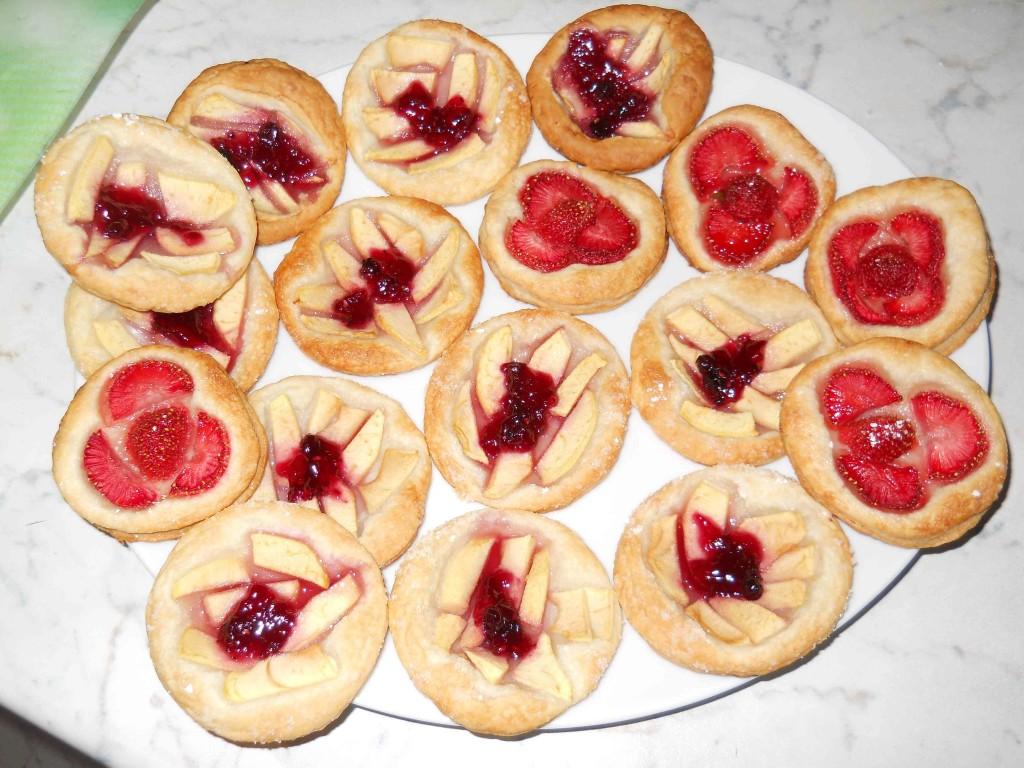 crostatine mignon di sfoglia e frutta