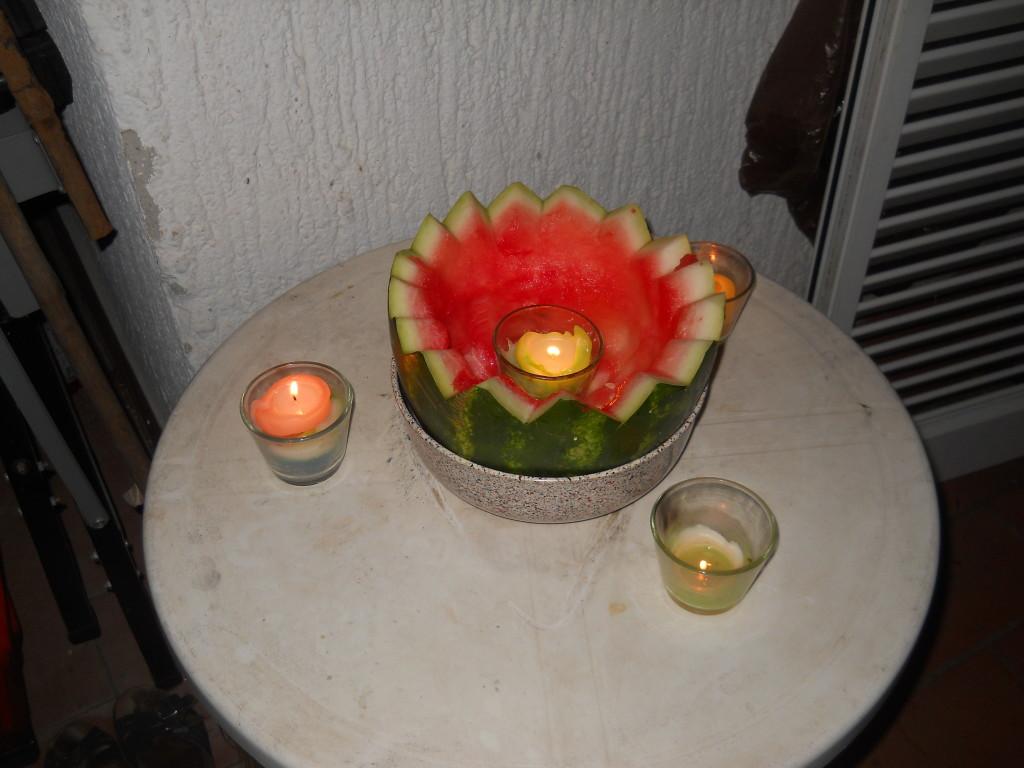 candela nel guscio di cocomero