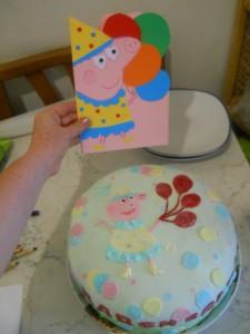 torta e biglietto Peppa Pig
