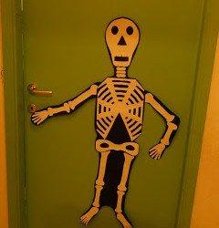 scheletro cartoncino